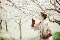 Boho-Spring-Fruehling-Apfelbluete-Hippie-Draussen-Fotoshooting-Trier01