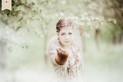 Boho-Spring-Fruehling-Apfelbluete-Hippie-Draussen-Fotoshooting-Trier04