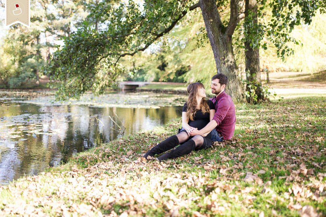 Lovebirds-Babybauch-Paar-Fotos-Herbst-Trier02