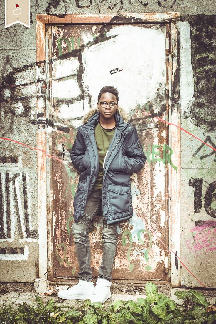 Teenager-Geschwister-Fotoshooting-Modern-Grafitti-Trier03