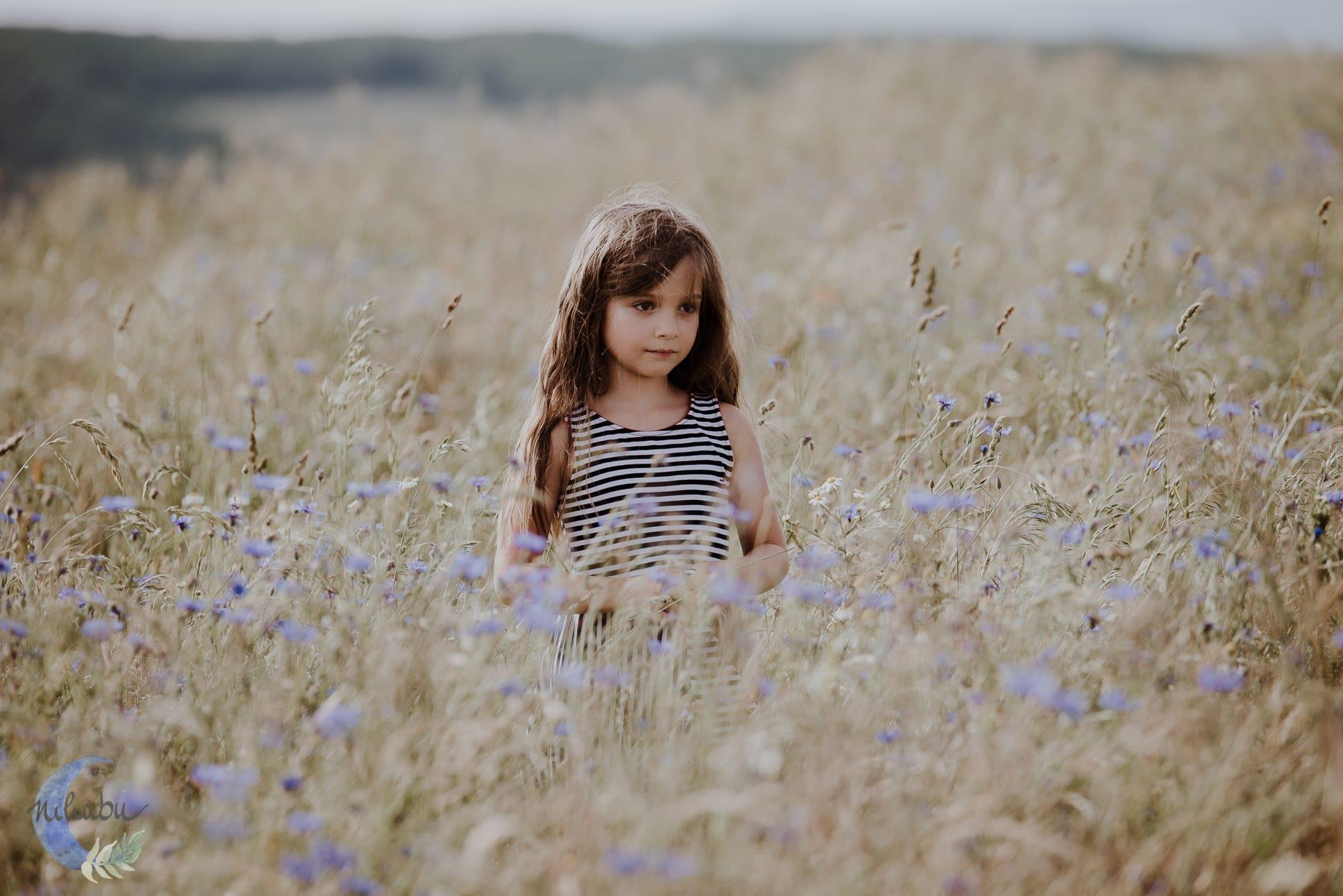 Kinderfotografin-Trier-Kornfeld-Blumenwiese-14
