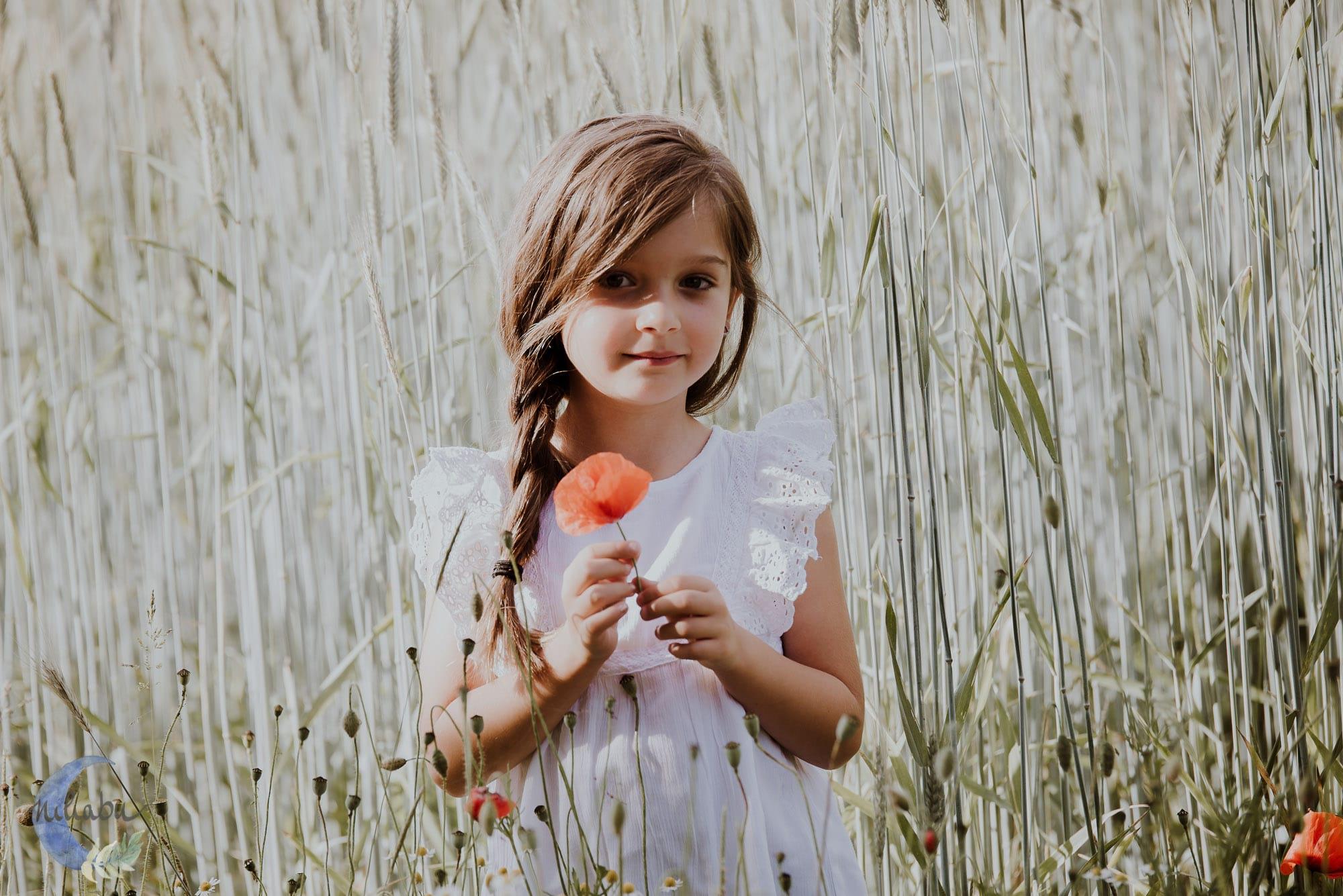 Kinderfotografin-Trier-Kornfeld-Blumenwiese-19