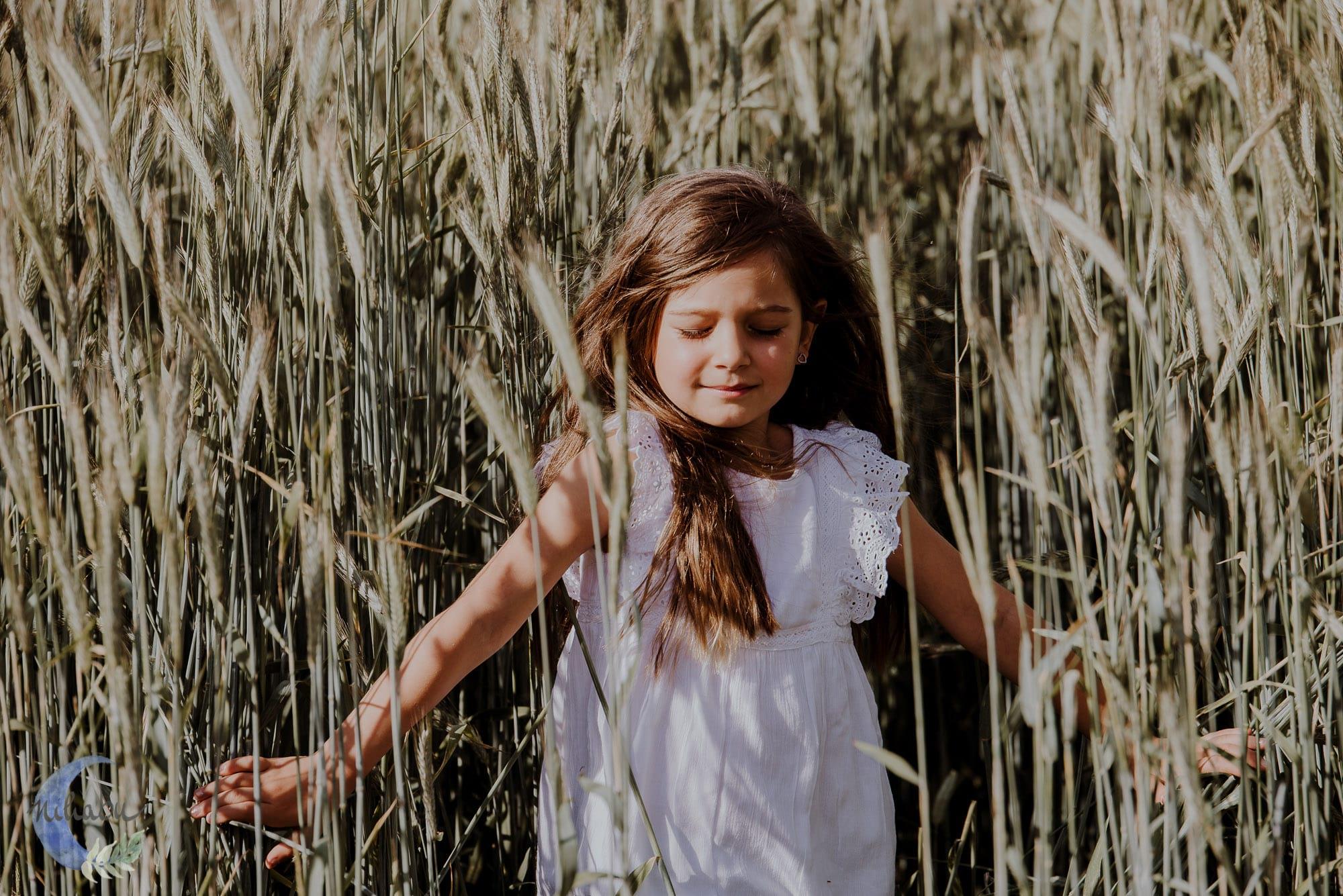 Kinderfotografin-Trier-Kornfeld-Blumenwiese-27