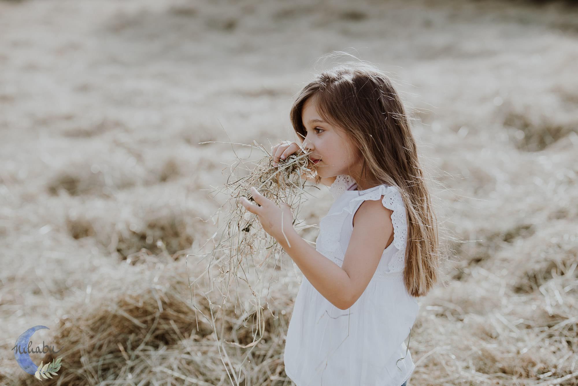 Kinderfotografin-Trier-Kornfeld-Blumenwiese-31